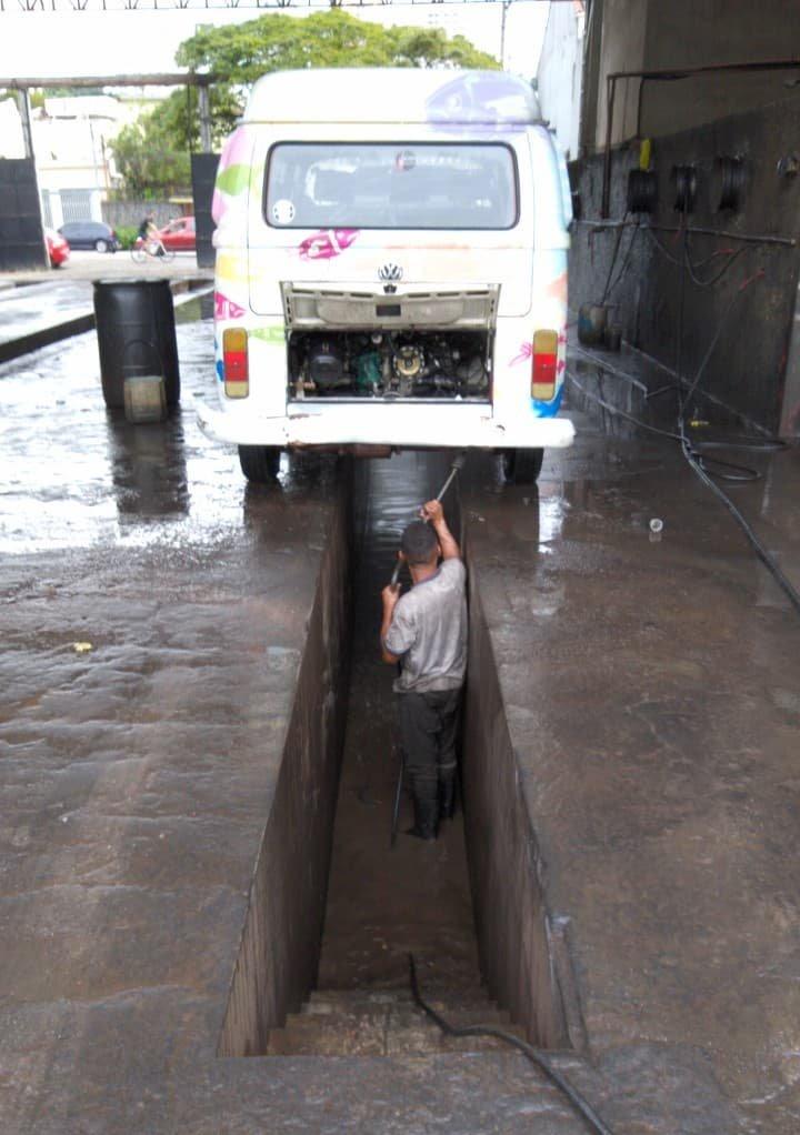 Lavagem completa, inclusive embaixo da Dorotéia, para facilitar a manutenção.